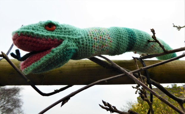 Emerald also has short crocheted brow ridges stiched on.