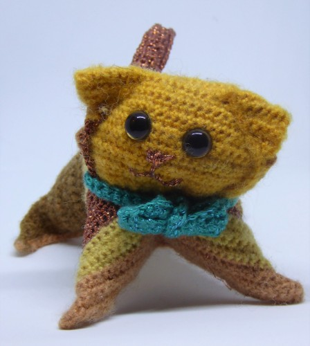 So I just gave him a contrasting bow tie in sparkly yarn.