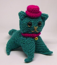 Those terrible oblongs turned into Jazz, knitted cat #3.