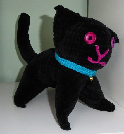 Made from the free pattern for cats and kittens, but in chunky chenille yarn.