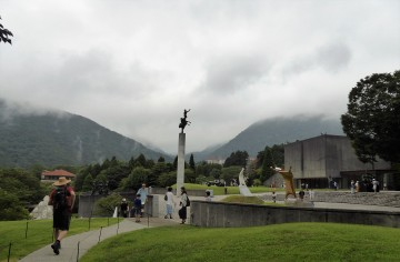 The amazing Hakone Open Air Museum, an outdoor sculpture park up in the hills.
