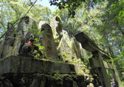 Some of the shrines look so ancient, and like something from a Studio Ghibli film.