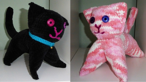 A couple more cats, also in chenille for the Kilometre of Cats & Kittens project.