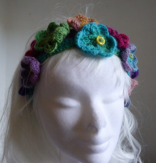 Graduated yarn gives a nice effect.
