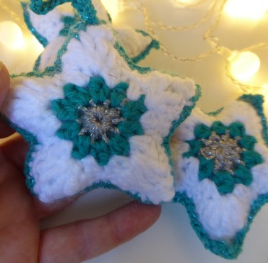 The star pattern is based on techniques I learned from a sunburst heart pattern and the African flower hexagon.